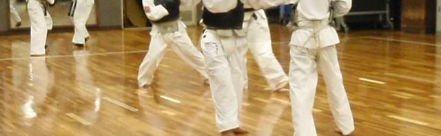近畿大学日本拳法部の練習風景