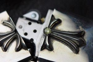 ダイヤがしっかり固定されているので、開閉しても問題ありません。