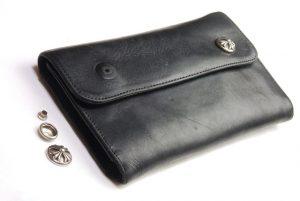 修理前の財布です。