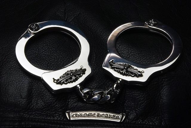 クロムハーツの手錠について【クロムハーツの修理、カスタム情報】