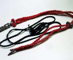 赤革紐に交換しました。