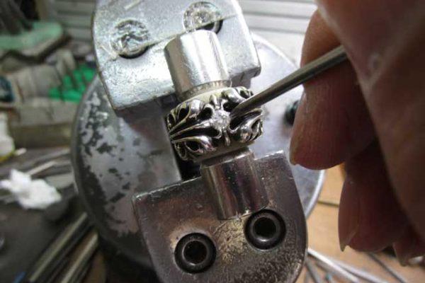 クロムハーツ K&Tリングに持ち込みダイヤをカスタム