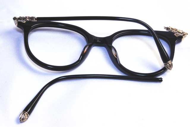 修理前のクロムハーツメガネ