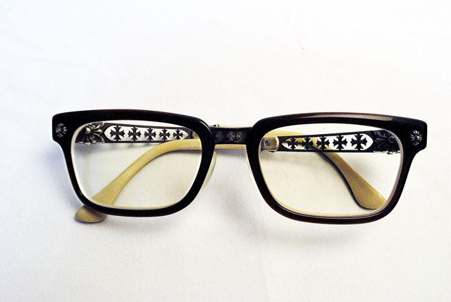 磨く前のクロムハーツ眼鏡です。