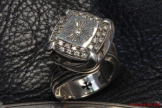カクテルリングにダイヤモンドをパヴェカスタムしました。
