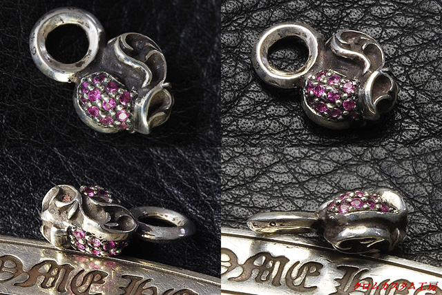 今回のカスタムは、両面にピンクサファイヤをパヴェカスタムしました。 片面ごとに違う宝石を入れることも可能です。